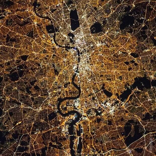 Захватывающие фотографии поверхности Земли со спутников