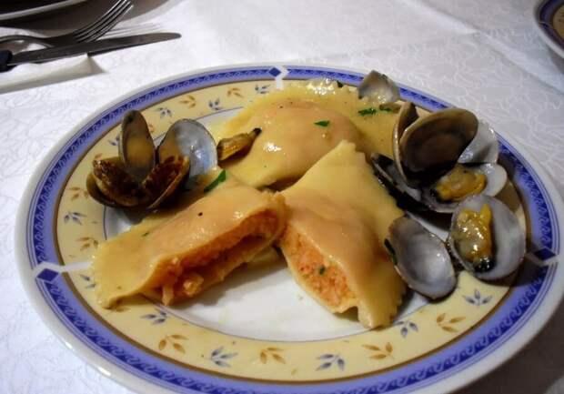 Рецепты по четвергам. Клёцки, ньокки, галушки, вареники. Вареники с морепродуктами