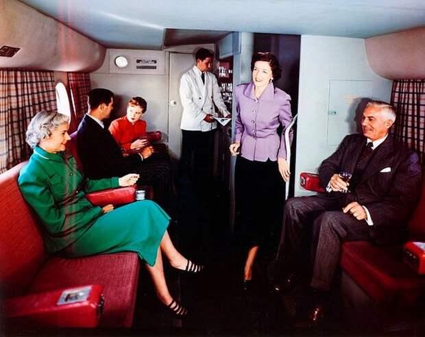 Винтажная роскошь: как пассажирские перелеты выглядели в50-х