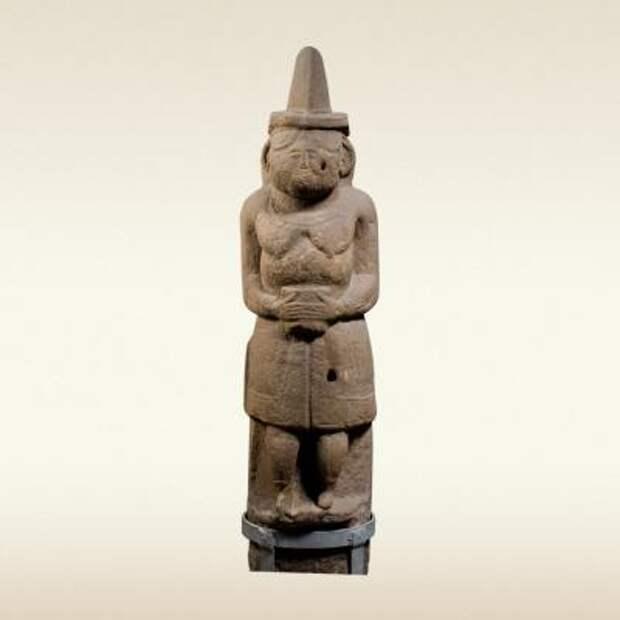 Женское половецкое изваяние «Каменная баба». 12 век