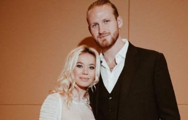 Бывший муж Пелагеи и его новая жена показали новое свадебное фото