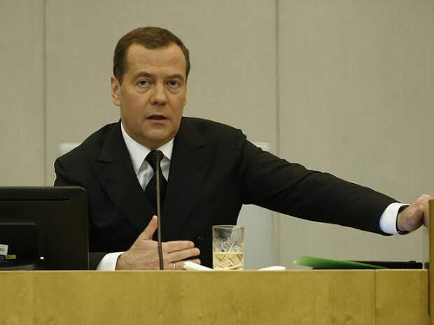 Медведев после отставки с поста премьера увеличил свои доходы