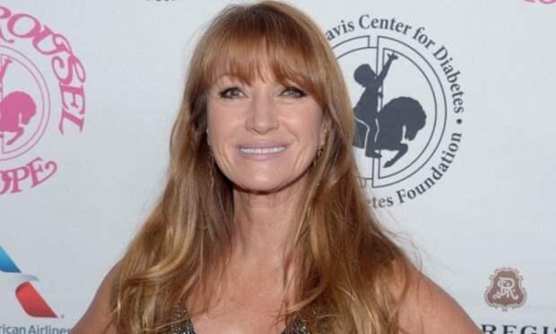Известная актриса, писательница, продюсер, общественный деятель, получившая всемирную известность за роль девушки Бонда в фильме «Живи и дай умереть».