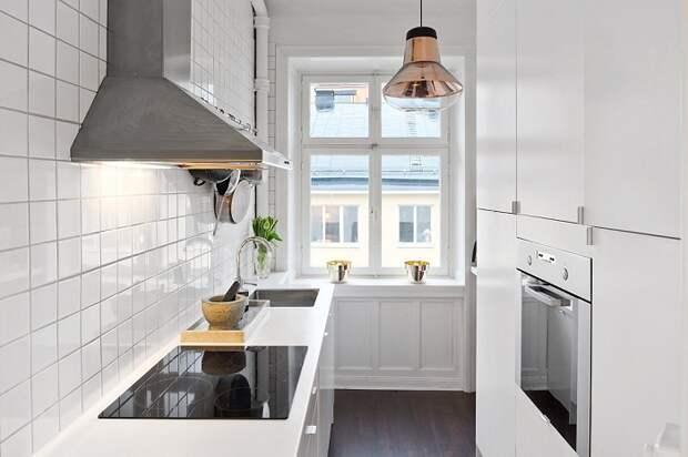 Стиль Hi-tech подходит для современной кухне.