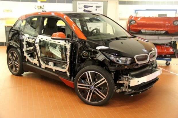 BMW i3 в автосервисе