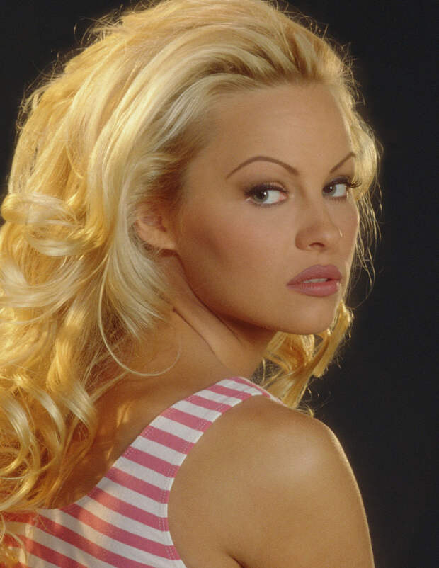 Памела Андерсон (Pamela Anderson) в фотосессии Рона Грепера (Ron Groeper) (1996), фото 3