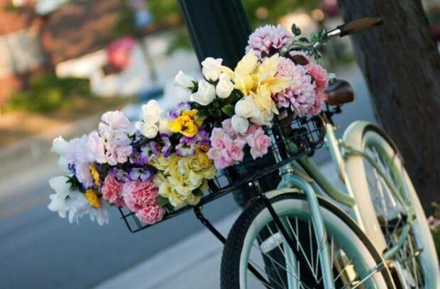 Как появился обычай дарить цветы.