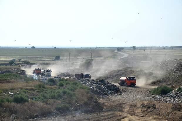 Евпаторийский мусорный полигон потушили на 90%
