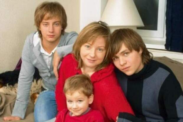 Российские знаменитости, которые родили детей от женатых мужчин