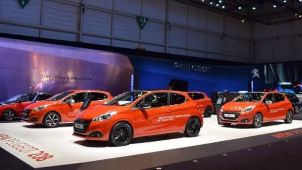 Траты россиян на новые автомобили за 4 месяца снизились на четверть