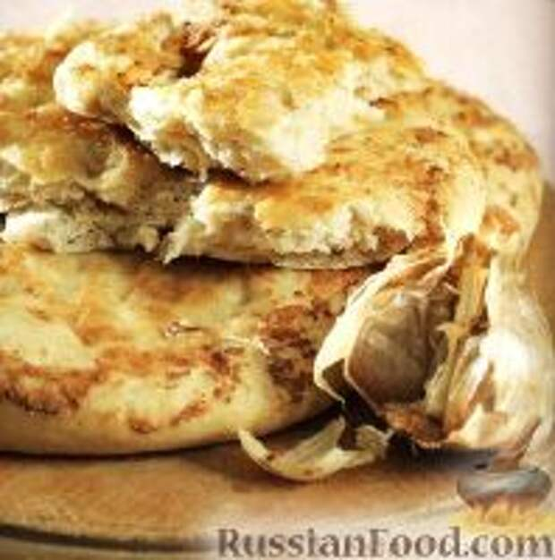 Фото к рецепту: Чесночные хлебные лепешки