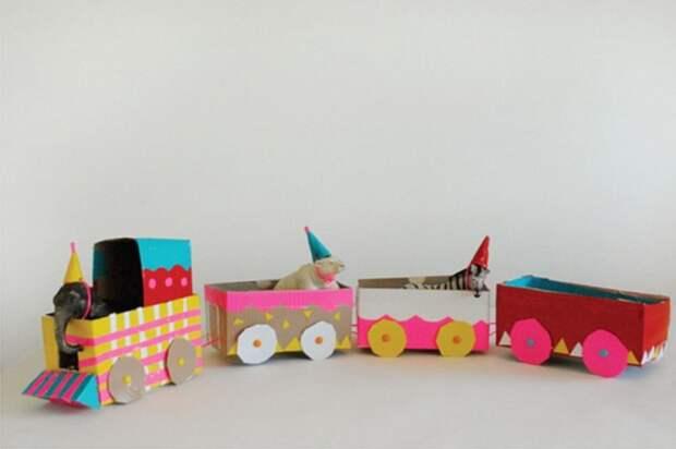 Замечательная игрушка, которую вы можете сделать вместе со своим ребенком.