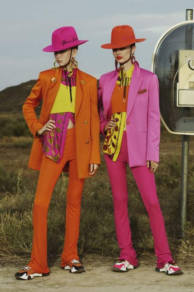 «V» значит Versace: круизная коллекция 2020