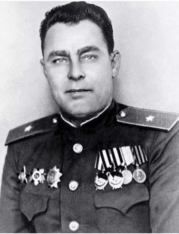 Генерал-майор Л.И. Брежнев