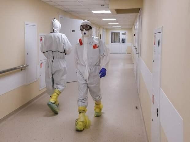 Инфекционист сообщил, сколько продлится рост заболеваемости COVID-19 в России