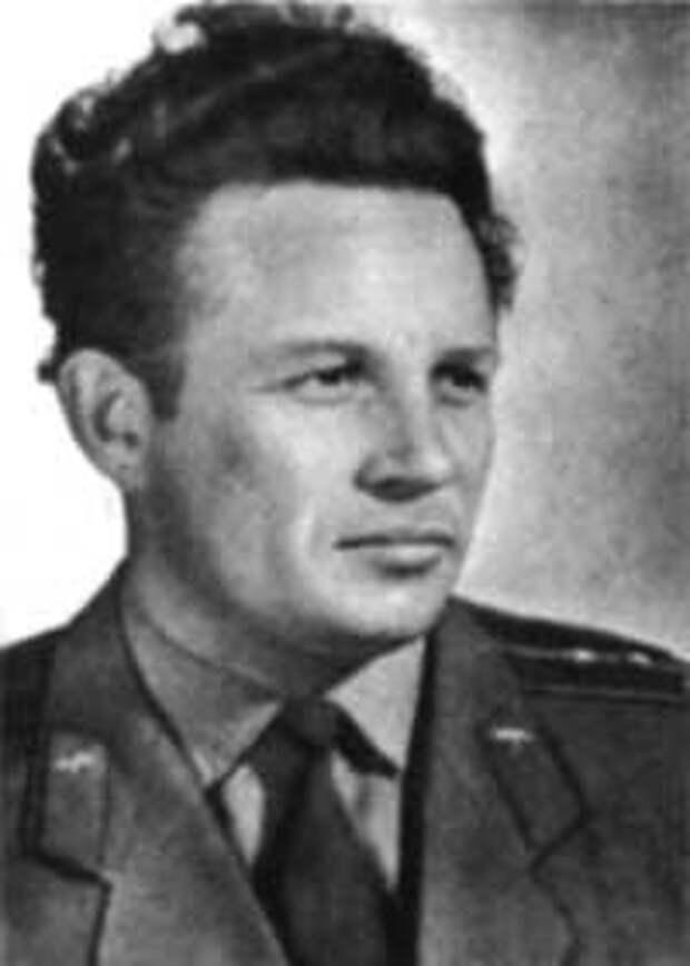 Герой Советского Союза капитан Г.Н. Елисеев