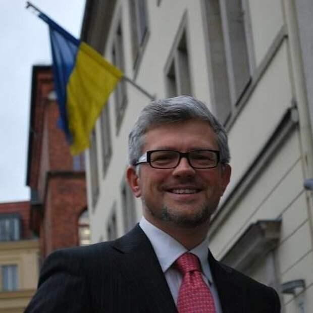 Посол Украины в Германии рассказал, как нацистские отряды со свастиками спасают Украину от России