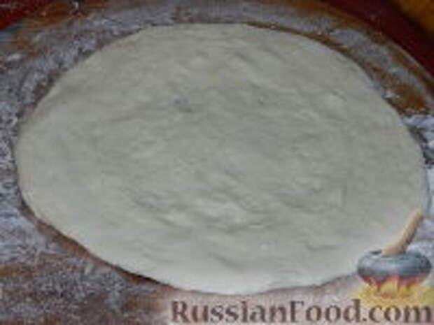 Фото приготовления рецепта: Лангош - венгерская лепешка - шаг №8