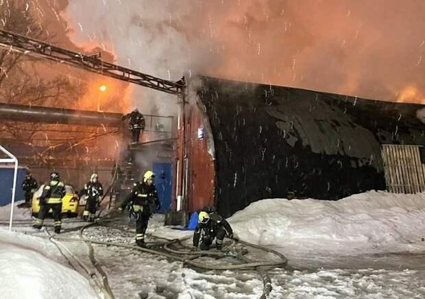 Пожар в Нижегородском / Фото: пресс-служба МЧС по ЮВАО