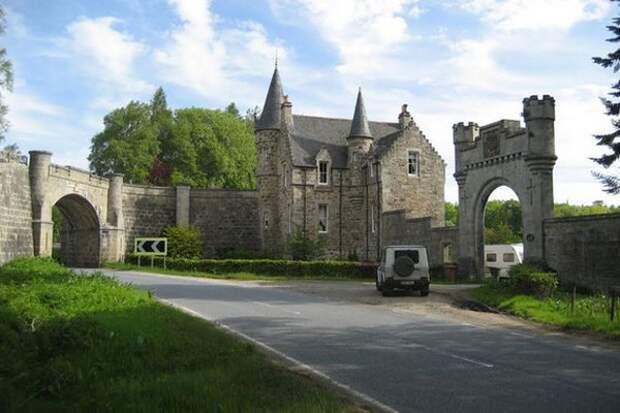 Замок с привидением