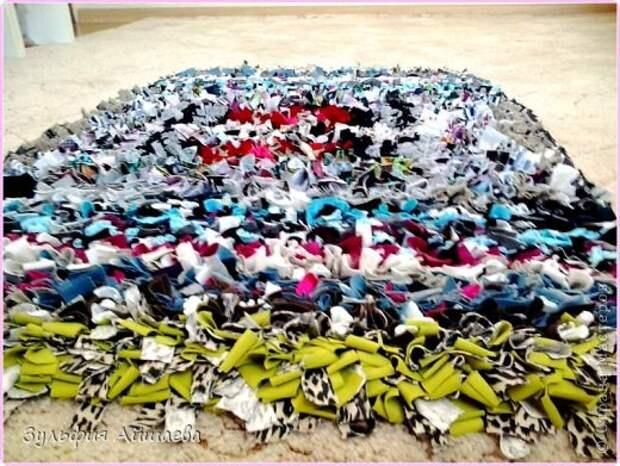 Интерьер Мастер-класс Ткачество ручное Коврик из футболок Сетка Ткань фото 9