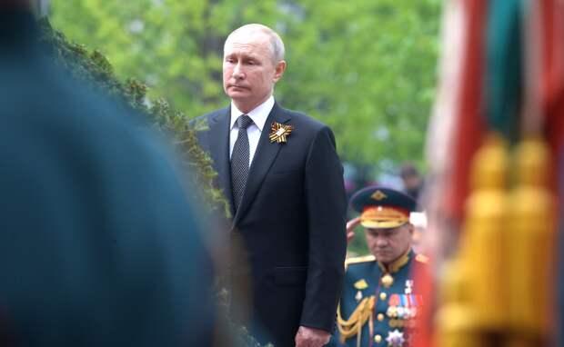 Владимир Путин 9 мая возложит цветы к Вечному огню и обратится к россиянам