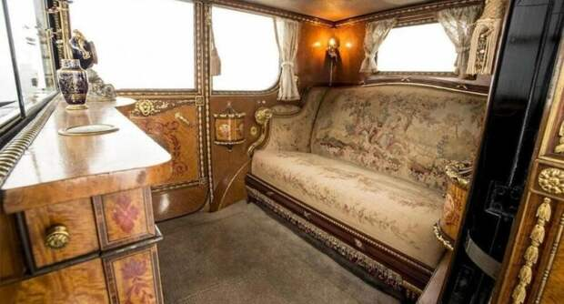 Версальская роскошь: «Фантом Любви»— самый дорогой Rolls-Royce вистории