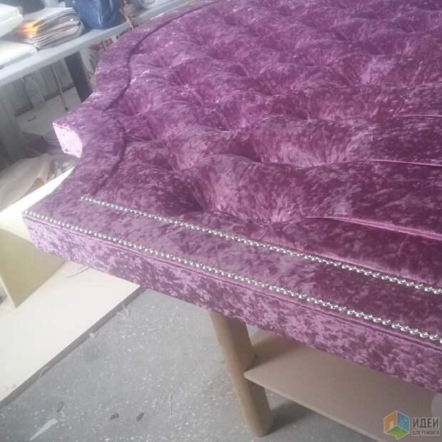 Кровать с бархатным изголовьем, кровати на заказ