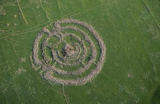 Колесо гигантов: загадочный Руджм эль-Хири
