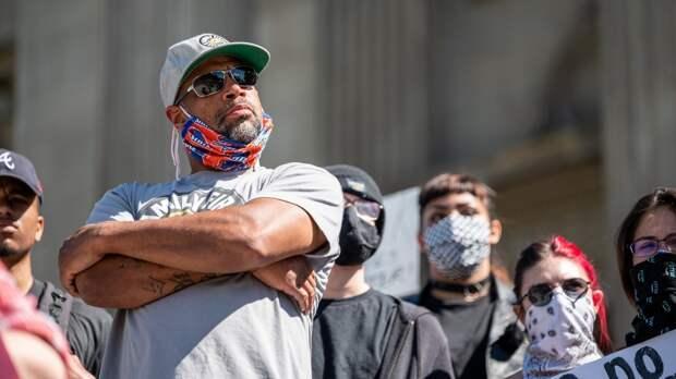 Протестующие BLM «штурмуют» здание конгресса штата Оклахома