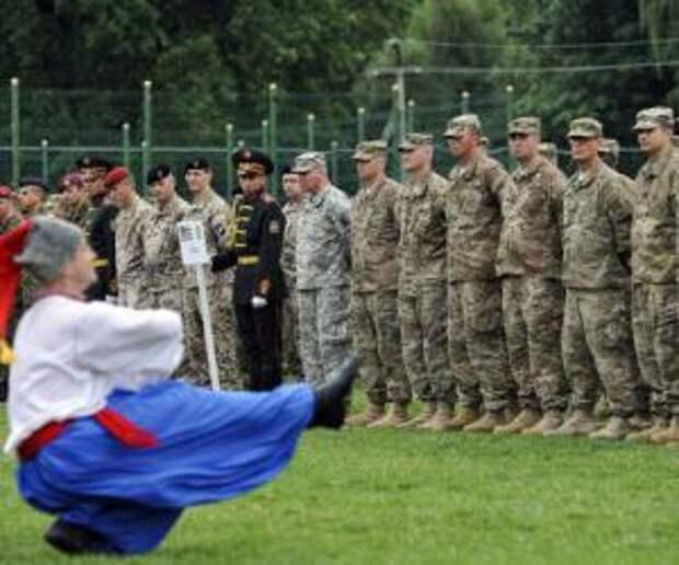 «США объясняют своим гражданам, почему они уходят с Украины»