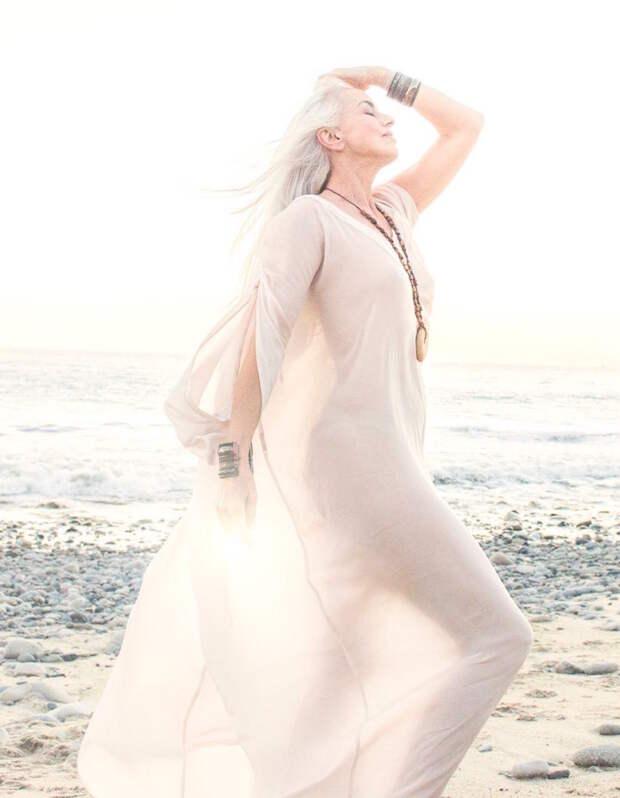 59-летняя модель выглядит элегантнее молодых девушек