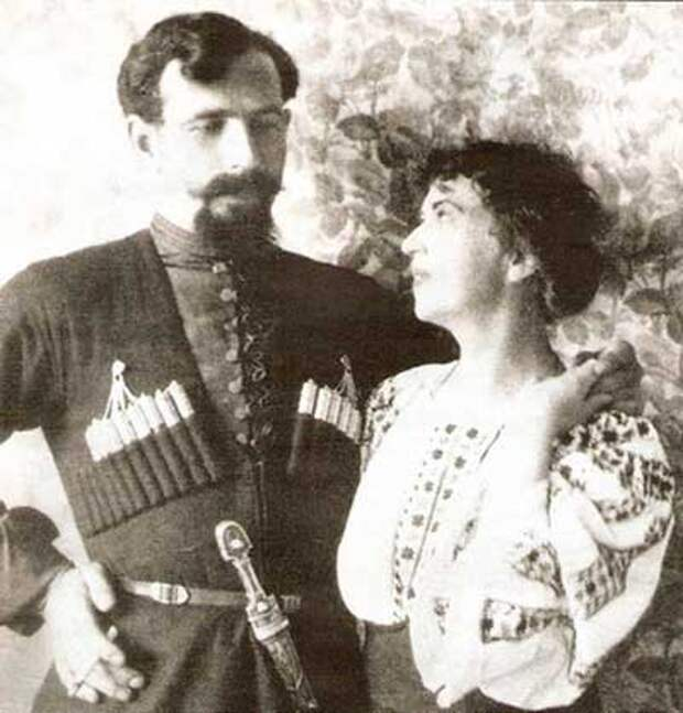Коллонтай и Дыбенко