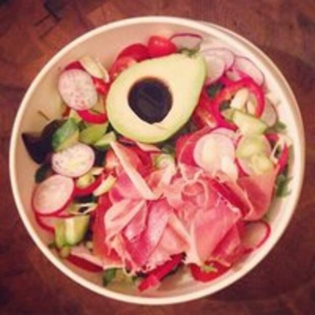 Легкие диетические салаты на обед или ужин.
