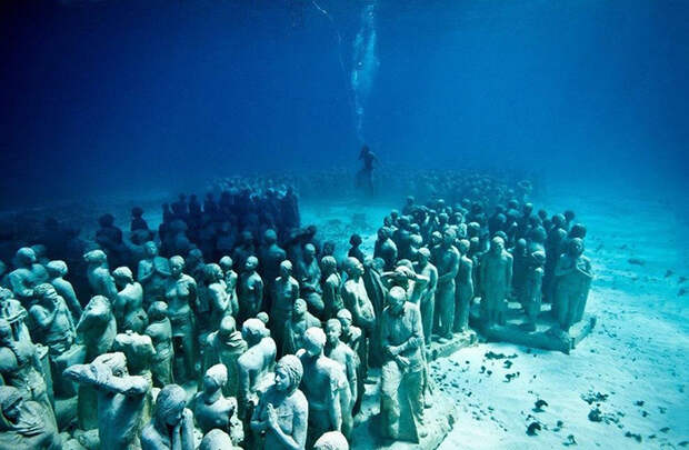 Мёртвый подводный город надёжно хранит свои секреты.