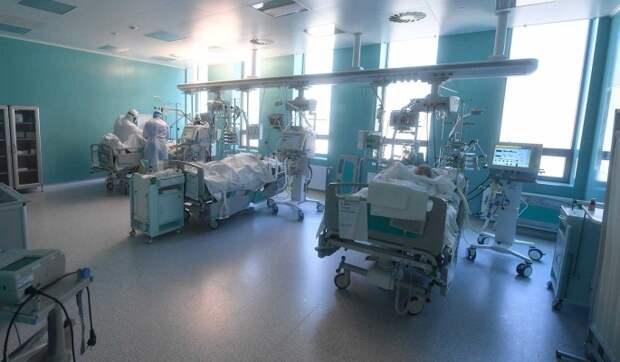 Вакцинолог: в России близится новый пик заболеваемости COVID-19