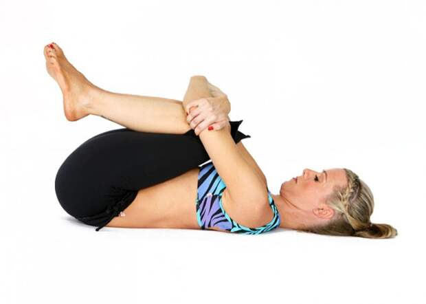 5 несложных поз йоги, которые вернут стройность животу