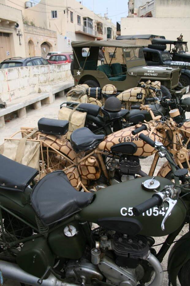Мотоциклы в ассортимента. Собрали все что было.  MG42, война, история, оружие, реставраторы