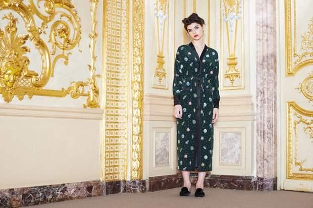 Известный российский дизайнер предлагает встречать Новый год в нарядных пижамах и халатах
