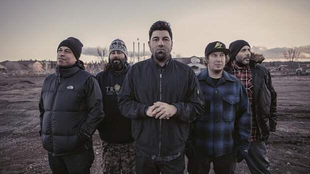 Группа Deftones пригласила поклонников на киевский концерт в Москву