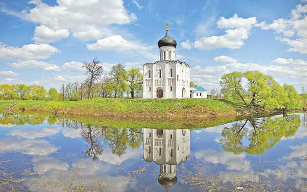 Церковь Покрова на Нерли середины XII века. Одна из жемчужин Владимирской Руси