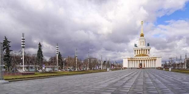 Собянин призвал москвичей соблюдать двухметровую дистанцию. Фото: mos.ru
