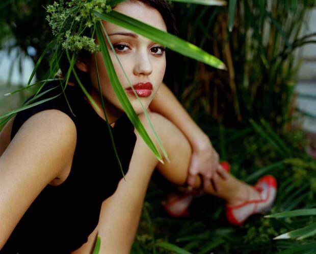 Джессика Альба (Jessica Alba) в фотосессии Патрисии де ла Роса (Patricia de la Rosa) для журнала Maxim (1999), фото 6