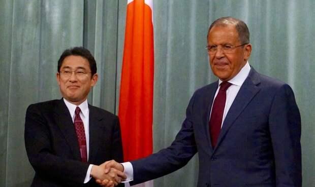 Как в Японии рассчитывают отхватить от России «в десять раз больше, чем Курилы»