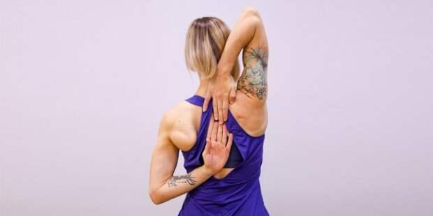 упражнения на гибкость: растяжка трицепса и плеч