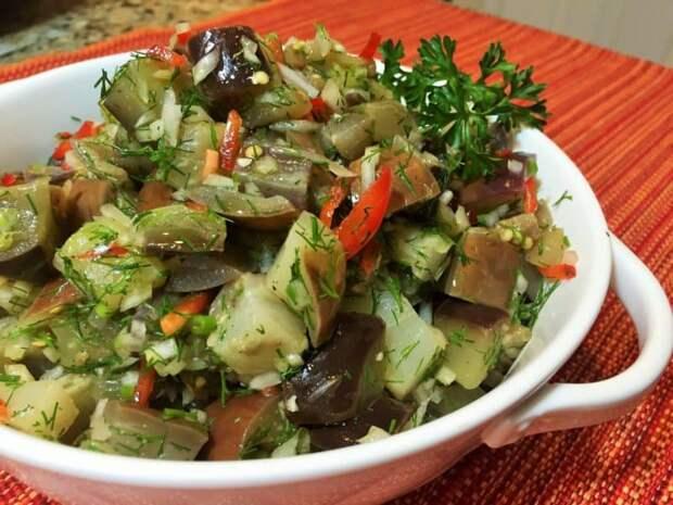 Баклажаны в виде грибочков. Майонезный соус отлично сочетается с баклажанами и придаёт им особый вкус 2