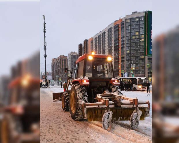 Более девяти тысяч дворников и спецтехника устраняют последствия ледяного дождя