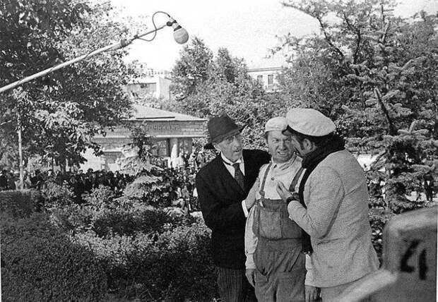 Как снимали советское кино: 14 фото за кадром известных фильмов