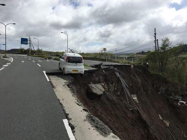 Землетрясение в Японии: Toyota и Honda приостановили работу