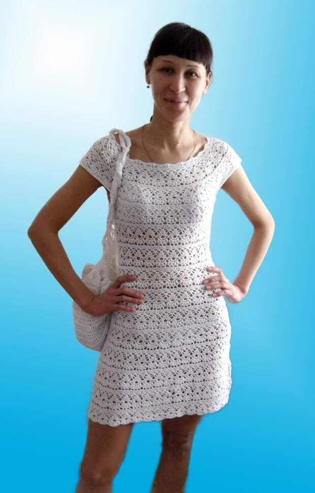 Летнее платье с круглой кокеикой